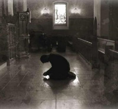 Resultado de imagem para rezando joelhos