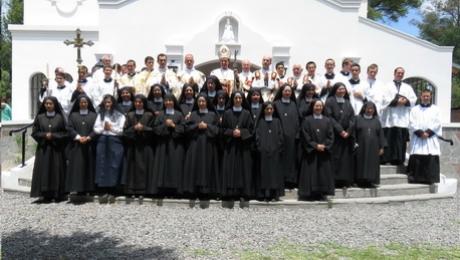 2015-12-05_consagracion_iglesia_noviciado_resize_0