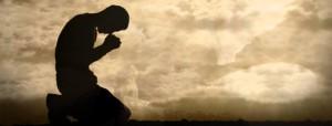 homem-rezando